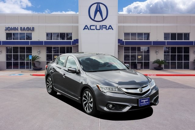 Acura Sedan 2017 >> Certified Pre Owned 2017 Acura Ilx With Technology Plus And A Spec Package 4d Sedan